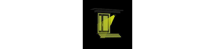 porte d 39 entr e eclairage ext rieur plongeant avec projecteur mural. Black Bedroom Furniture Sets. Home Design Ideas